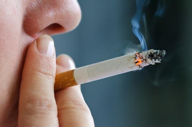 تبلیغات منفی علیه حسابداران با سیگار!