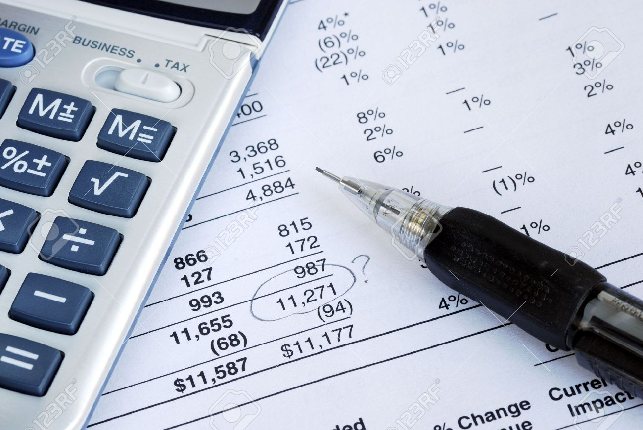 6752736-Find-a-mistake-when-auditing-the-financial-statement-Stock-Photo
