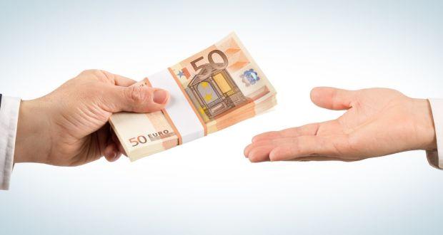 چه کمکهایی بهعنوان هزینههای قابل قبول مالیاتی شناخته میشوند؟